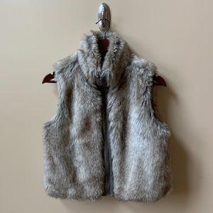 Elle cropped faux fur zip front vest